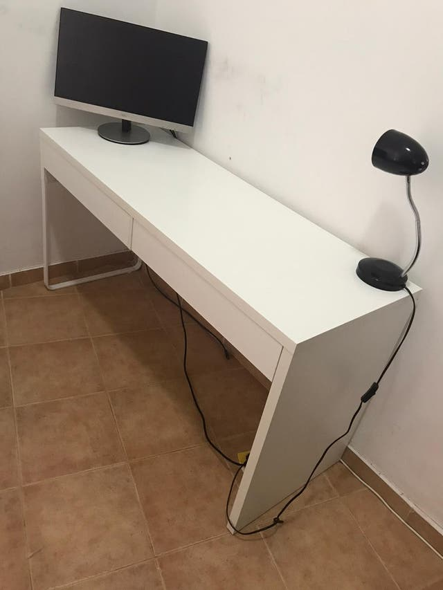 Mesa Escritorio 2 cajones, color blanco.
