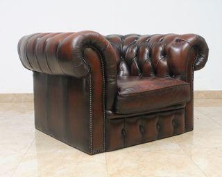 Butaca Chester club chair cuero marrón