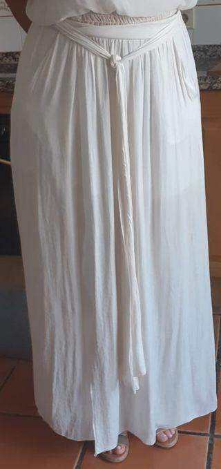 Falda larga, estilo griega... Chollo