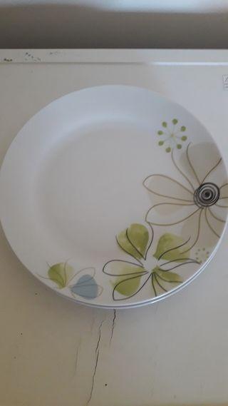 Dinner plates 3 plates