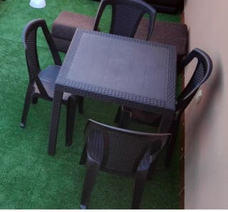 Mesa y 4 sillas Terraza
