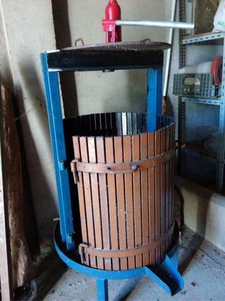 Prensa hidráulica para vino