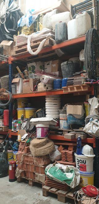 Herramientas y materiales de construccion