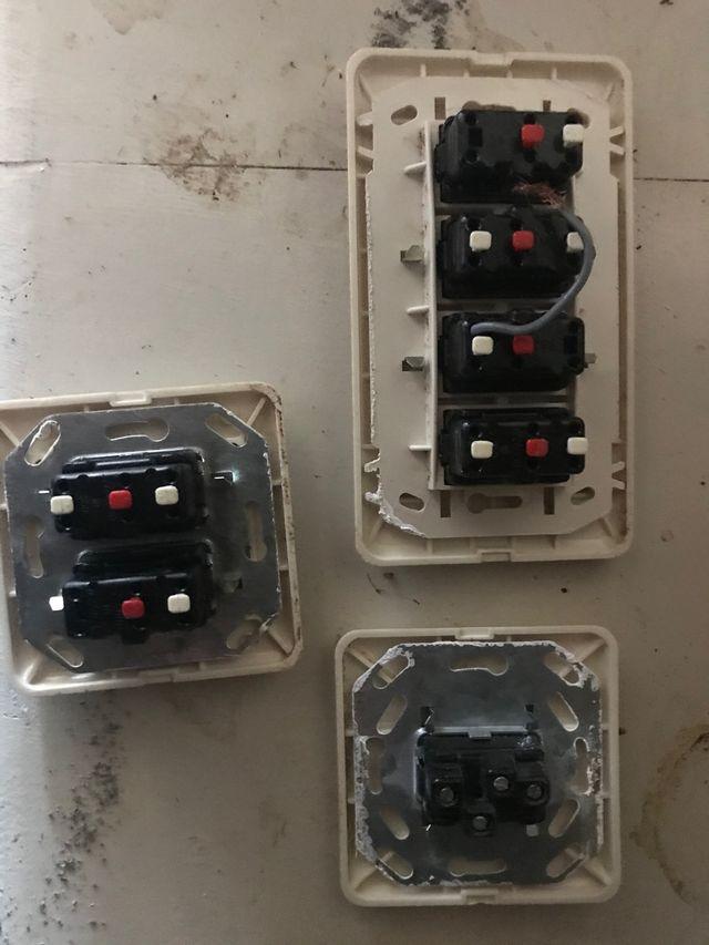 Interruptores, conmutadores, enchufes antiguos