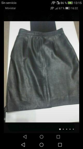 falda de piel cuero