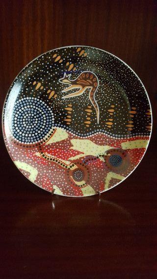 Plato decorativo de porcelana