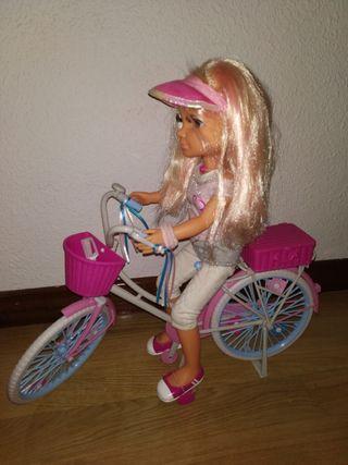 nací ciclista con accesorios.