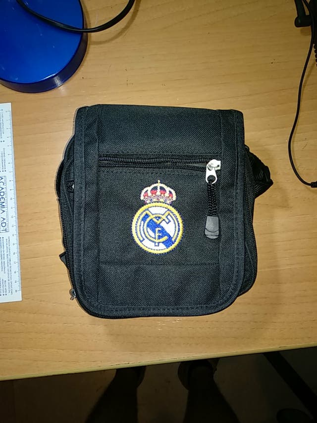 Bolso Real Madrid y porta CD