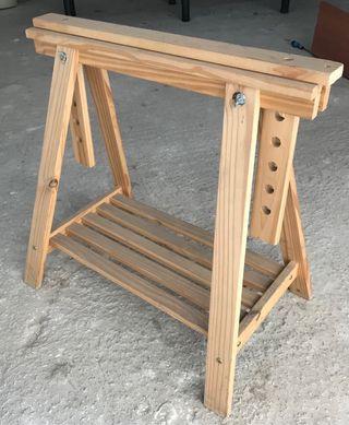 Caballete de madera regulable en altura