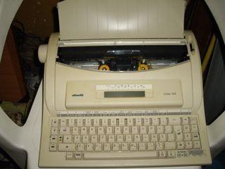 maquina antigua de escribir eléctrica Olivetti