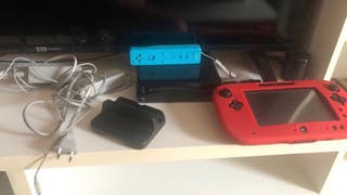 Wii u con 2 juegos y accesorios