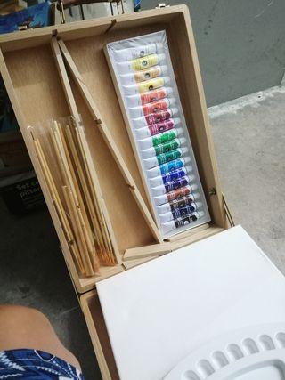 set de pintura con caballete