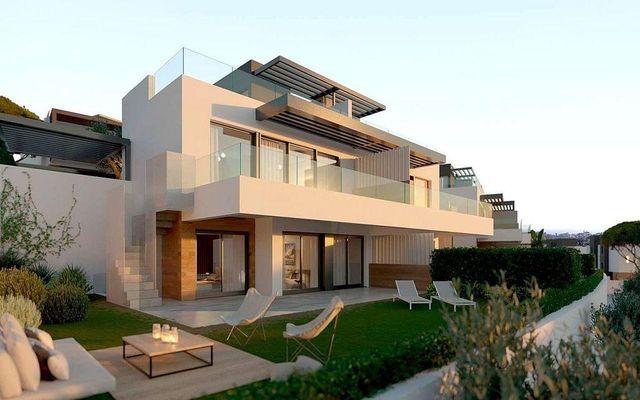 Casa adosada en venta en Paraíso - Atalaya- Benamara en Estepona (El Paraíso, Málaga)