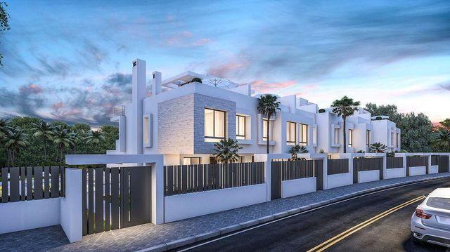 Casa adosada en venta en Málaga (Saladavieja, Málaga)