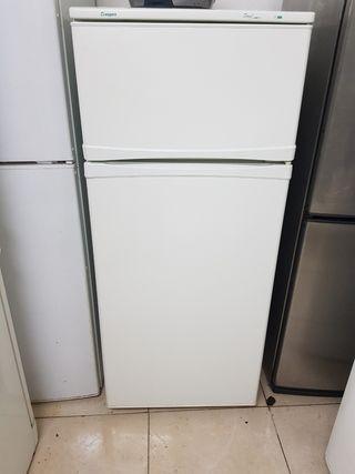 frigorífico Aspes dos puerta 140×54cm