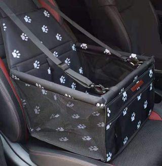 Soporte para llevar al perro en el coche