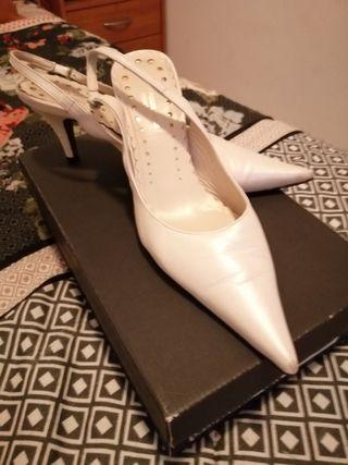 Zapatos de piel de novia