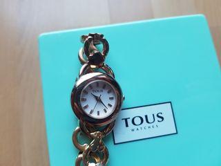 Reloj dorado Tous
