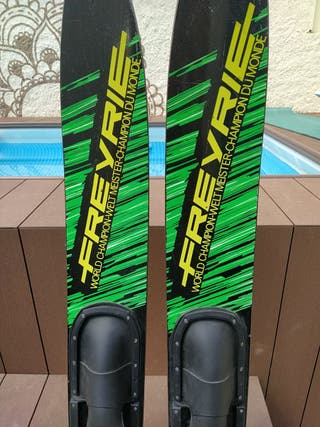 Esquís náuticos