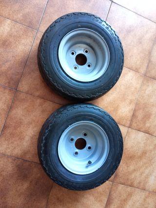 pareja de ruedas remolque carro
