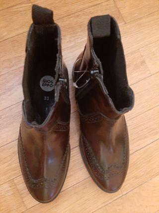 Botas de piel Gioseppo talla 33
