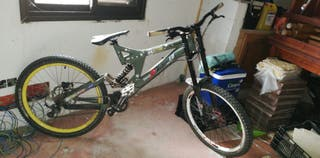 se vende bicicleta Specialized