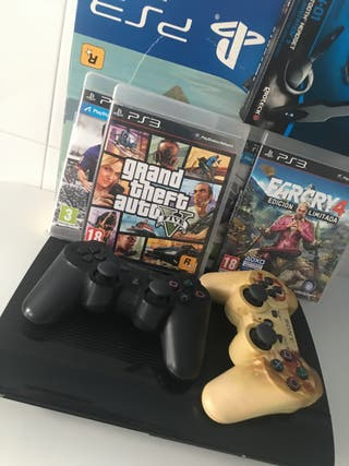 PS3 DE 500GB CON 2 MANDOS, 4 JUEGOS Y UN MICRO