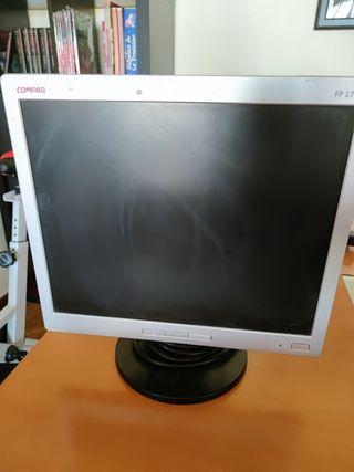 Pantalla plana de ordenador marca compaq
