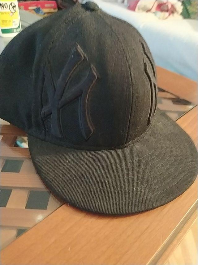 Gorra de béisbol de los New York Yankees negra.