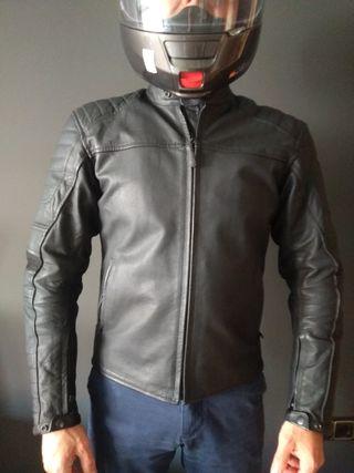 OCASION casi nueva cazadora piel cuero moto
