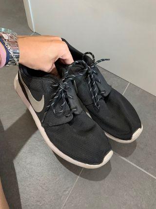 Bambas Nike Roshe Run.