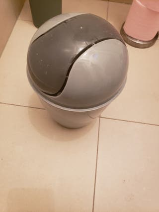 poubelle wc