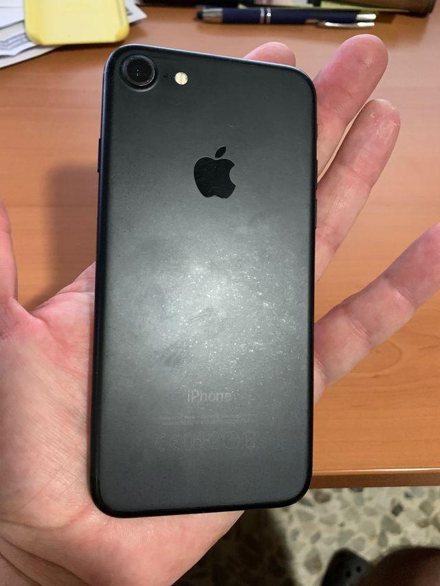IPhone 7 32 mas iwatch 42