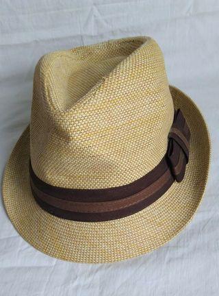 Sombrero tipo panamá fedora