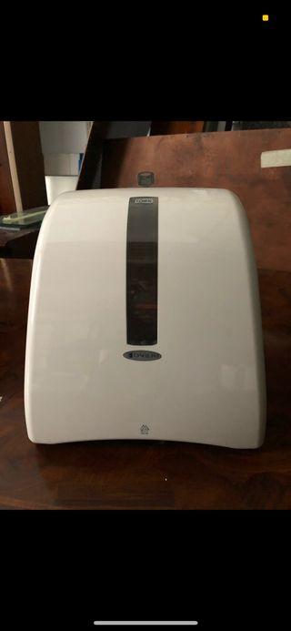 Dispensador de papel secamanos