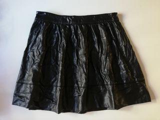 REGALO Falda piel sintética cuero negro talla S/ M