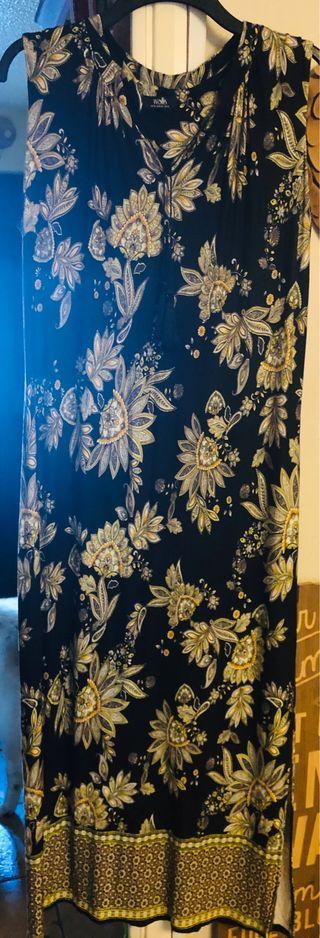 Wallis Woman's Size 18 Black Patterned Long Dress