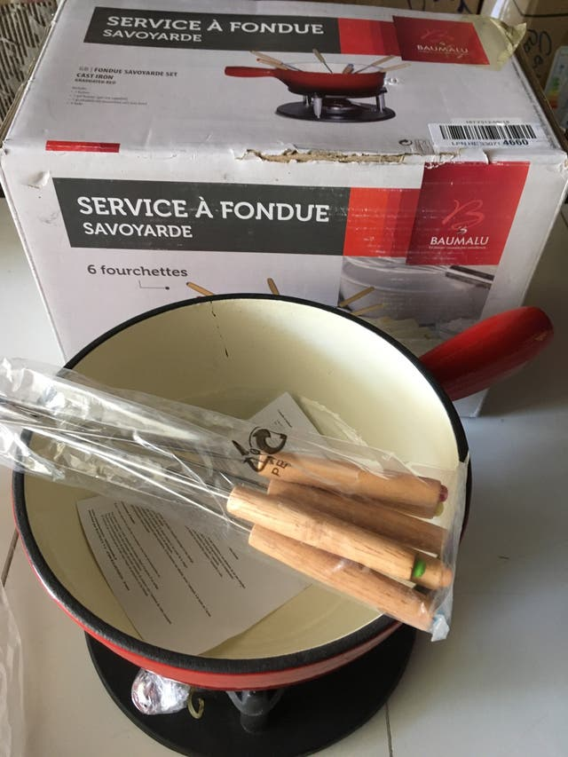 New Cast Iron Fondue Set (Grade B)