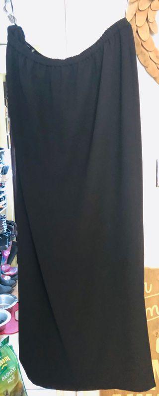 Frank Usher Size 18 Black Long Side Split Skirt