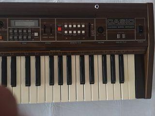 Teclado sintetizador Casiotone 501