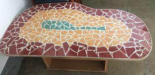 Mesa estilo Gaudí