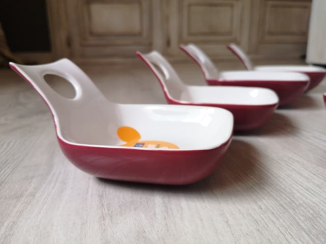 Conjunto para servir aperitivos o salsas