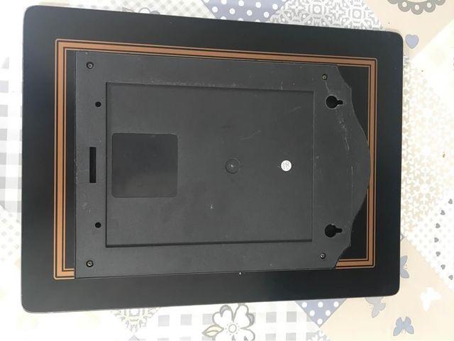 Black key holder clock