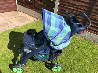 MOTHERCARE PUSHCHAIR WITH COSY TOES AND APRON