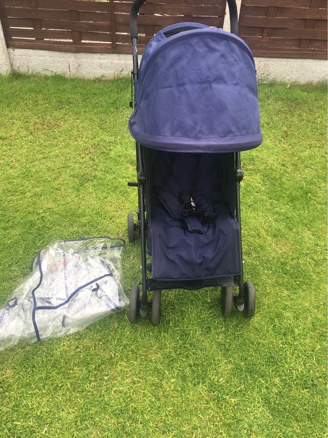 Cuggl pushchair with hood and raincover