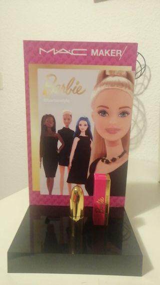 pintalabios y expositor barbie Mac