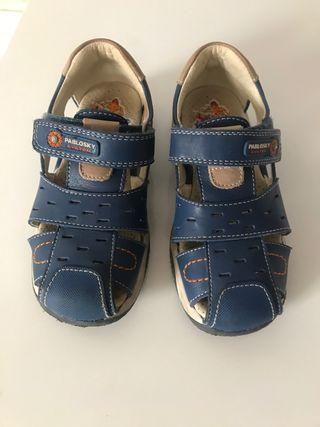 Se vende sandalillas niño pablosqui