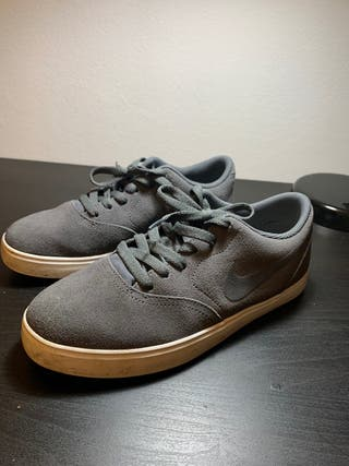 Nike SB Check suede