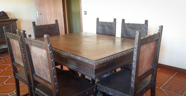 Conjunto de muebles antiguos de comedor