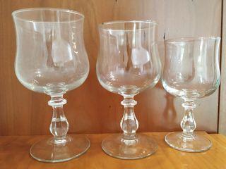 24 copas de cristal. Cristalería